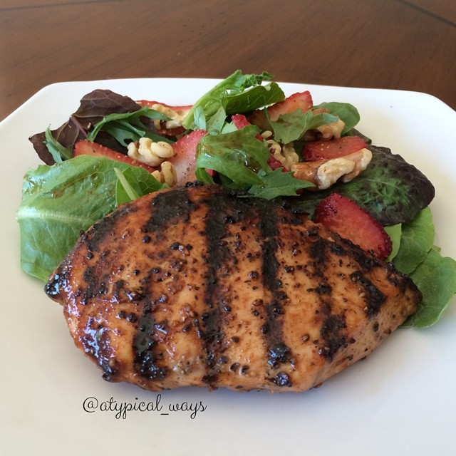 Balsamic & Honey glazed grilled Chicken Breast with Strawbery & Walnut Salad - 300cal/18carb/14fat/32pro