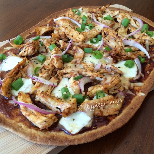 BBQ Chicken Pizza 375cal/35carb/10fat/40pro   atypical_ways