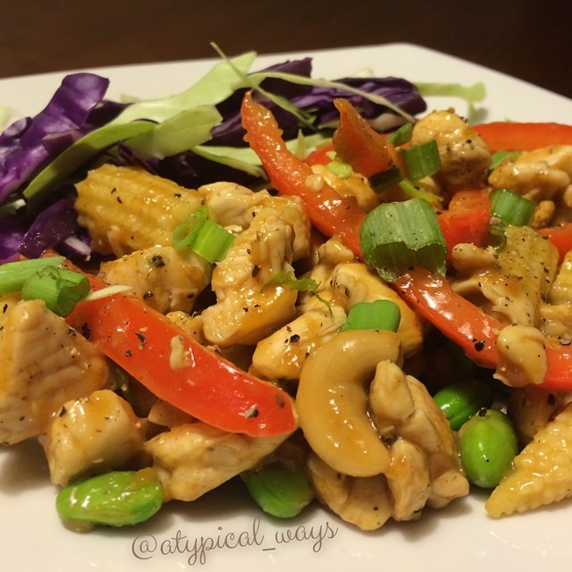 Cashew Chicken Stir Fry. 320cal/21carb/14fat/34pro
