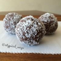 Gluten Free Chocolate Chia PROTEIN Bites - Quick & Easy!