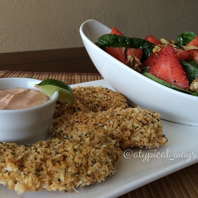 Crispy Baked Chicken Tenders with a Chipotle Lime Aioli for dipping and a Strawberry & Walnut Spinach Salad. Perfect lunch and made from start to finish in only 25 minutes! 375cal/26carb/10fat/40pro