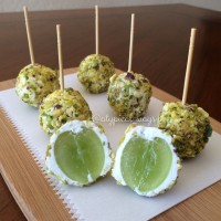 Goat cheese & Pistachio dipped Green Grapes!