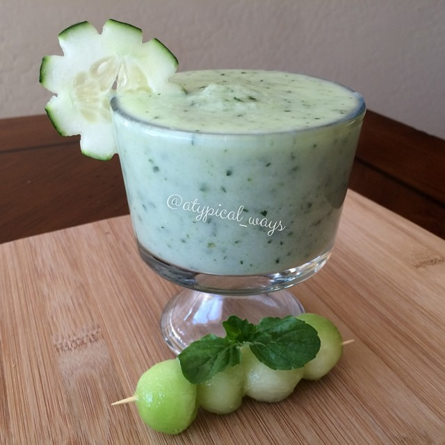 Green tea, honeydew, cucumber & mint smoothie | atypical_ways