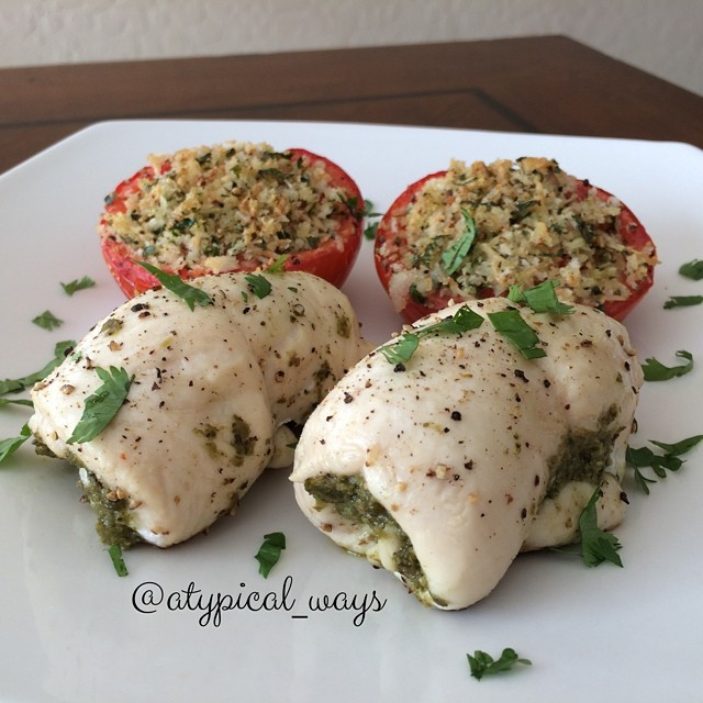 Quick & Simple Pesto Chicken Roll-ups with a Parmesan & Garlic Roasted Tomato - only 335 calories with 33 grams of protein!