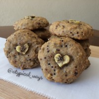 Gluten Free Banana Bread Cookies with Walnuts & Tri-Color Quinoa!