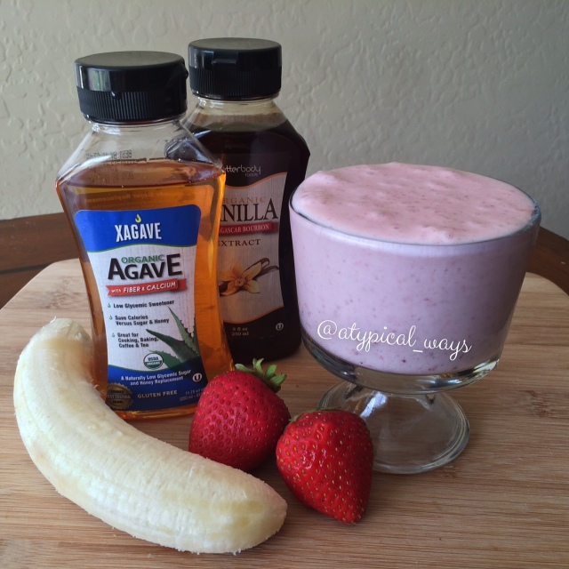 Strawberry & Banana Smoothie - Quick & Simple