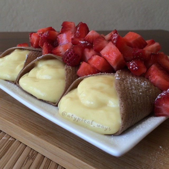 Strawberries & Cream Chocolate Protein Crepes! 305cal/27carb/5fat/38pro