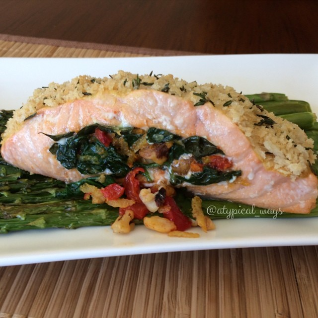 Roasted Herb Crusted Salmon stuffed with Spinach, Walnuts, Roasted Red Pepper & Basil335cal/10carb/18fat/32pro