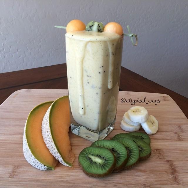 Kiwi & Cantaloupe PROTEIN Smoothie!